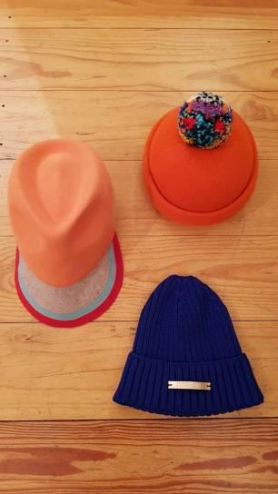 blaue Mütze / orange Mütze / Cap Koralle